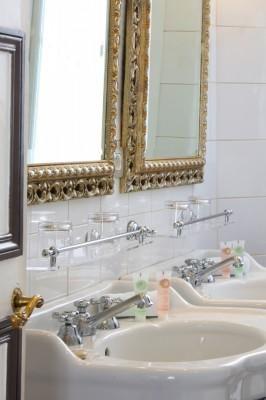 Hotel Trocadero La Tour - Bathroom