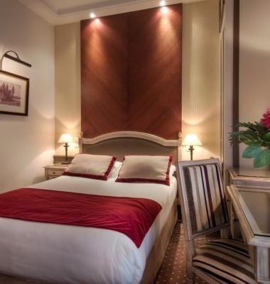 Classic Room at Hotel Trocadero La Tour  Paris
