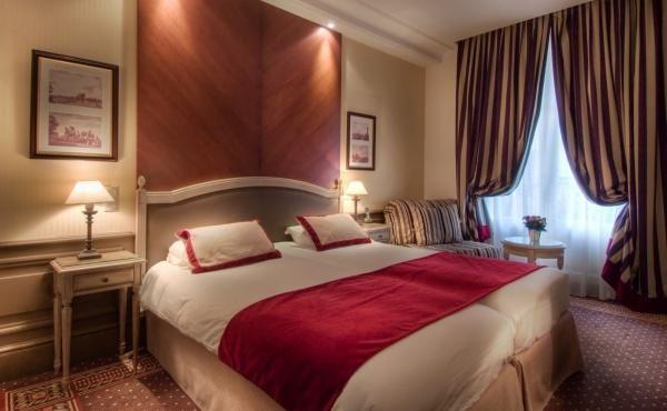 BEST WESTERN PREMIER Hôtel Trocadéro la Tour – Triple Room